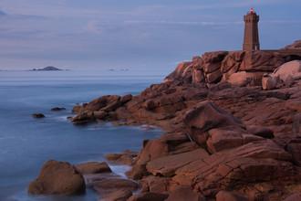 Boris Buschardt, Lighthouse at the Cote de Granit Rose (Frankreich, Europa)