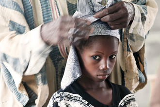 "Lucía Arias Ballesteros, Getting dressed for ""Bila"" dance - Kumbungu village (Ghana, Afrika)"
