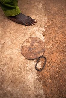 "Lucía Arias Ballesteros, ""Nyindogu"" blade-instrument - Savulugu village, Northern Region (Ghana, Afrika)"