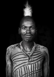 Eric Lafforgue, Bashada tribe man with body painting Ethiopia (Burundi, Afrika)