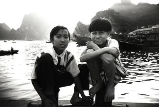 Jacqy Gantenbrink, Two Boys in Vietnam (Vietnam, Asien)