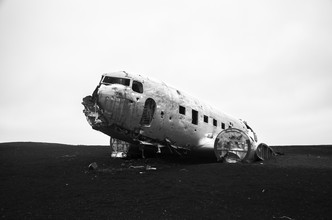 Sebastian Berger, United States Navy Airplane Wreckage (Island, Europa)