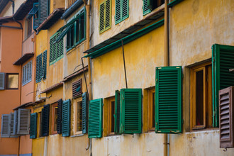 Ana Fieres, Windows in the backyard (Italien, Europa)