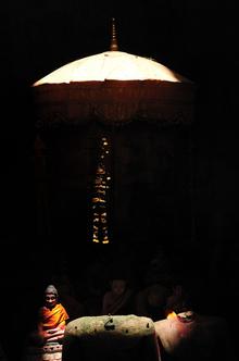 Haifeng Ni, Sunlight on baldachine (Kambodscha, Asien)