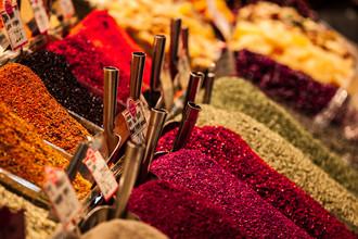 Philipp Langebner, spices all in a row (Turkey, Europe)