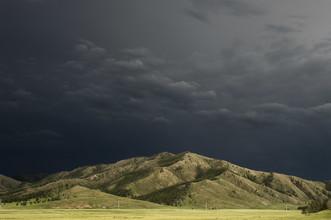 Schoo Flemming, Dark Sky over Mongolian Plains (Mongolei, Asien)