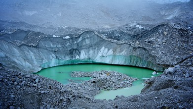 Ignacio Garnham, Mineral water (Nepal, Asia)