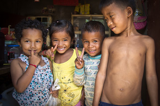 Cambodian kids - Fineart photography by Christoph Creutzburg