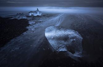Eisbrocken, Island - fotokunst von Jens Rosbach