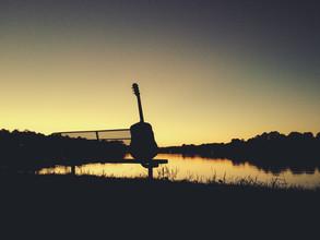 Greg Hogan, The Guitar (Vereinigte Staaten, Nordamerika)