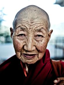 Rahul Karan, Female Buddhist Monk (Indien, Asien)