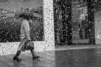 Sascha Hoffmann-Wacker, walking in the rain (Germany, Europe)
