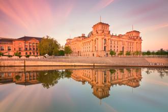 Matthias Makarinus, Reichstag Berlin Summer Reflection (Deutschland, Europa)