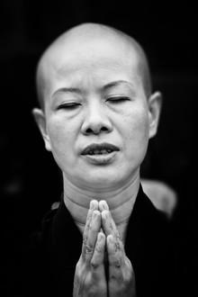 Victoria Knobloch, Gebet (Nepal, Asien)