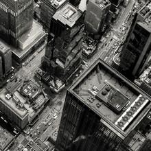 Stompin' down Broadway - fotokunst von Regis Boileau