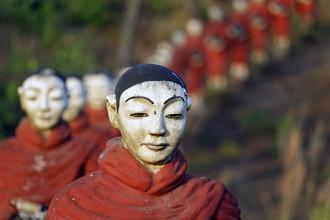Michael Belhadi, Monks (Myanmar, Asia)