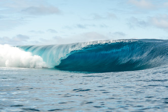 Lars Jacobsen, perfekte Welle (French Polynesia, Oceania)