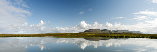 Gabi Kuervers, See ohne Namen (Island, Europa)