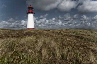 Leuchtturm am Ellenbogen, Sylt - Fineart photography by Franzel Drepper