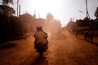 Bénédicte Salzes, Motocycle in Sodo (Ethiopia, Africa)