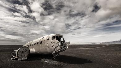 Gabi Kuervers, DC-3 (Island, Europa)