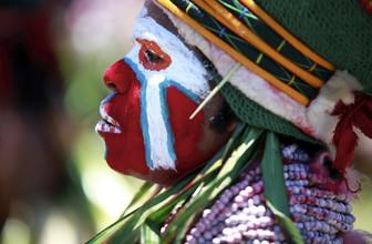 Ingetje Tadros, Painted face (Papua New Guinea, Oceania)