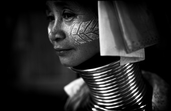 Ingetje Tadros, Long neck (Afghanistan, Asien)