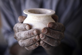 Ingetje Tadros, Egyptian hands (Egypt, Africa)
