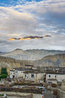 Dirk Steuerwald, Sonnenaufgang im alten Königreich Mustang (Nepal, Asien)