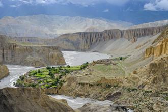 Dirk Steuerwald, Fertile soil in the high desert of Mustang (Nepal, Asia)