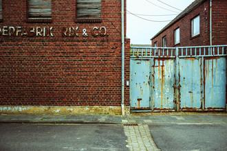 Broken factory - fotokunst von Sascha Faber