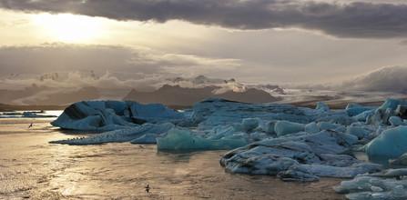Markus Schieder, Sonnenuntergang am Gletschersee von Jokulsarlon (Island, Europa)