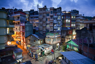 David Pinzer, Kalimpong Blue Hour (India, Asia)
