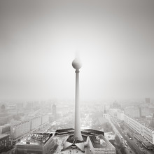 Ode to Berlin - Fineart photography by Ronny Behnert