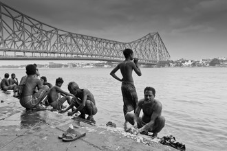 Florian Schmale, Life under the bridge (India, Asia)