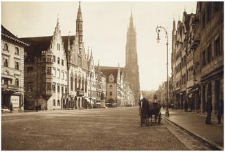 Süddeutsche Zeitung Photo, Rathaus und St.-Martins-Kirche (Deutschland, Europa)