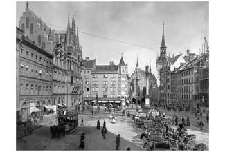 Süddeutsche Zeitung Photo, Marienplatz in München um 1900 (Deutschland, Europa)