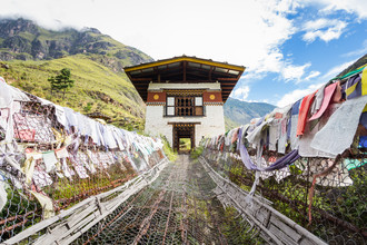 Cristof Bals, The iron chain suspension bridge (Bhutan, Asien)