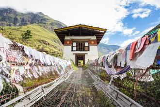 Cristof Bals, The iron chain suspension bridge (Bhutan, Asien)
