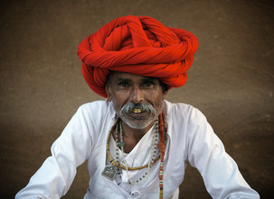 Älterer Mann aus Gujarat - fotokunst von Ingetje Tadros