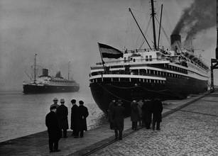 Süddeutsche Zeitung Photo, Passagierschiff am Kolumbuskai (Deutschland, Europa)
