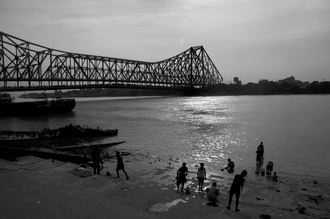 Sankar Sarkar, Howrah bridge Calcutta, India (Indien, Asien)