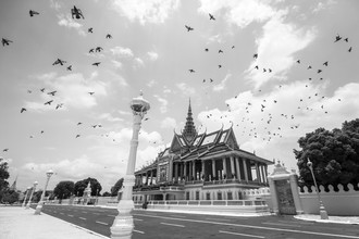 Renee Del Missier, At The Royal Palace (Kambodscha, Asien)