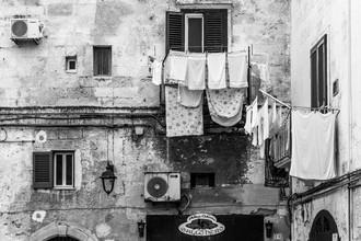 Vladan Radivojac, Drying laundry in Monopoli (Italien, Europa)