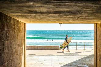 Eine Welle am Ende des Tunnels - fotokunst von Lars Jacobsen