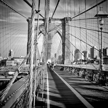 NYC Brooklyn Bridge - fotokunst von Melanie Viola