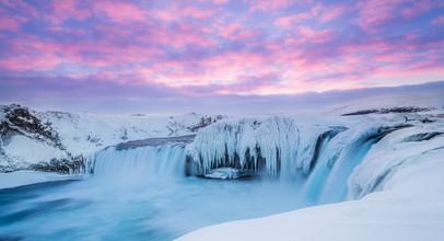 Markus Van Hauten, Pink sunrise (Iceland, Europe)