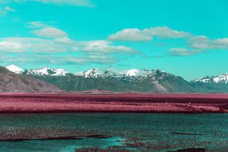 Susanne Kreuschmer, blue river mountains (Island, Europa)