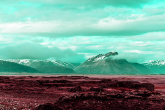 Susanne Kreuschmer, red field mountains (Iceland, Europe)
