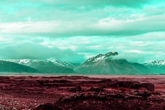 Susanne Kreuschmer, red field mountains (Island, Europa)